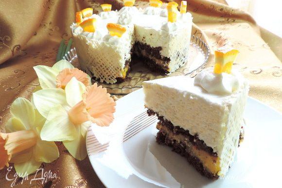 А вот и разрез нашего тортика! Угощайтесь, друзья! Вкусно, ароматно и совсем неприторно! Приятного вам аппетита!