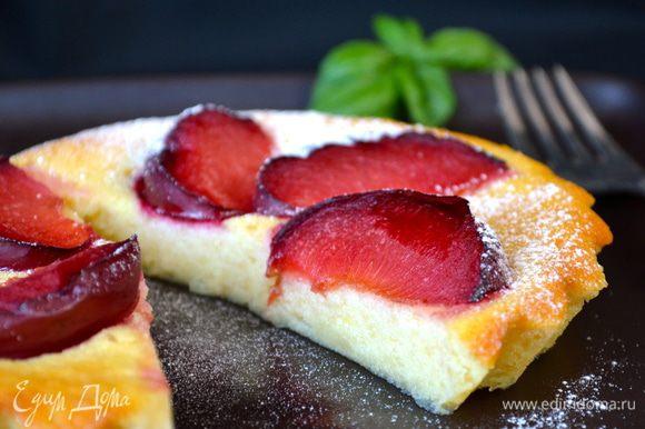 ВКУСНО как в слегка теплом виде, так и в холодном! ))) А я специально добавляю для вас разрез этого пирожного!...