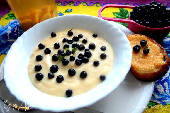 Подаём с уже остывшим десертом как дополнение)))