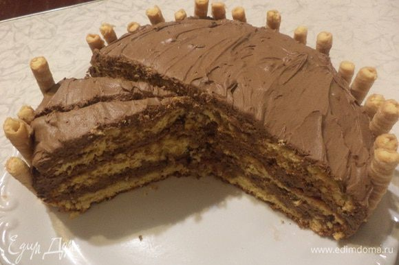 А вот торт в разрезе. Угощайтесь!