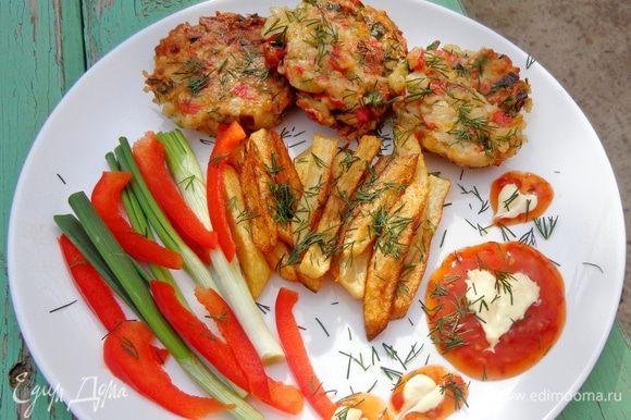 Подавать с жареной картошкой и свежими овощами. Приятного аппетита!