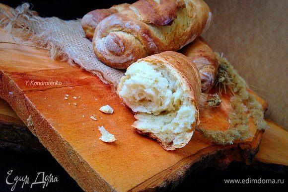 И еще два рецепта на сыворотке: Это мини-багеты от Аллы ( ~UN DINA~). Очень вкусные, ароматные и не хлопотные в приготовлении! Рекомендую! ;) И большое спасибо! ;) http://www.edimdoma.ru/retsepty/73911-mini-bagety