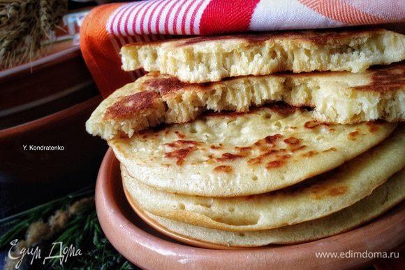 """И Танюшины (Снежинки нашей) """"Пухляки"""", это что-то! Очень вкусные и ароматные блины, рука так и тянется за очередным! Теперь на один рецепт любимых блинов больше! Спасибо Танечка! ;) http://www.edimdoma.ru/retsepty/36998-bliny-na-syvorotke-puhlyaki"""