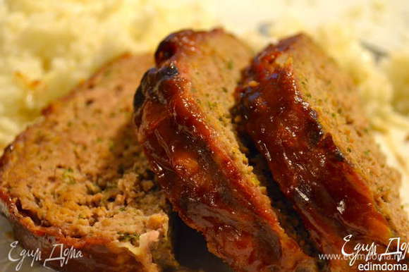 "А мне такая мясная ""пицца"" (по-итальянски) чем-то напомнила своего мясного собрата - Мясную ""булку"" по-американски http://www.edimdoma.ru/retsepty/53379-myasnaya-bulka-po-amerikanski"