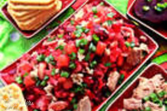 Для винегрета, кстати, можно заморозить свёклу кубиками: http://www.edimdoma.ru/retsepty/65508-svekolnyy-salat-lodochki