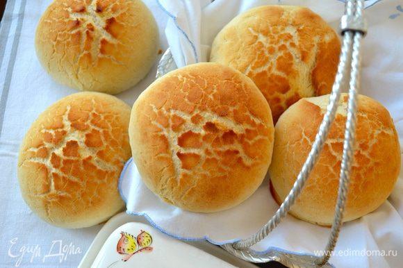 Хочу посоветовать вам испечь вот такие замечательные булочки по рецепту Кати KT-SW - Хрустящий Голландский Тигровый хлеб - http://www.edimdoma.ru/retsepty/60197-hrustyaschiy-gollandskiy-tigrovyy-hleb Результат очень радует!