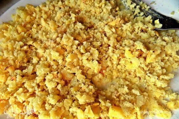 Также понадобится картошка: печёная, варёная, — любая, даже остатки пюре! Разминаем быстренько вилкой.
