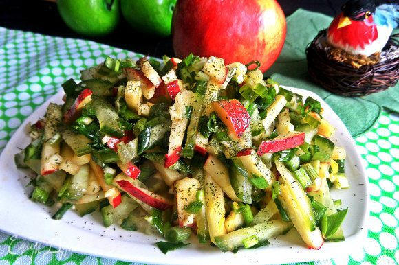 Очень уместно подать такое белковое блюдо с легким салатиком от Галины: http://www.edimdoma.ru/retsepty/79878-gruzinskiy-salat-gazaphuli-vesna Рекомендую, ведь впереди лето!