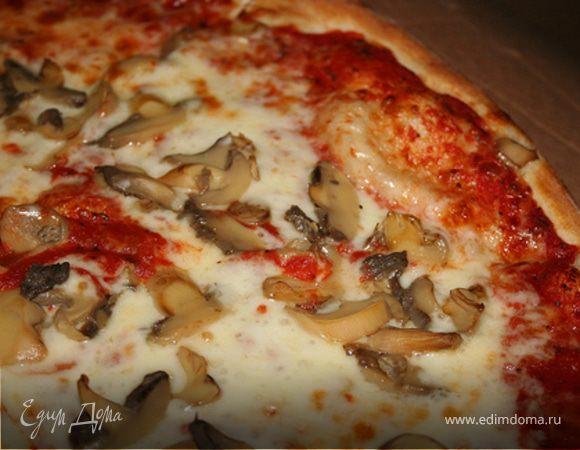 Пицца с шампиньонами и сыром