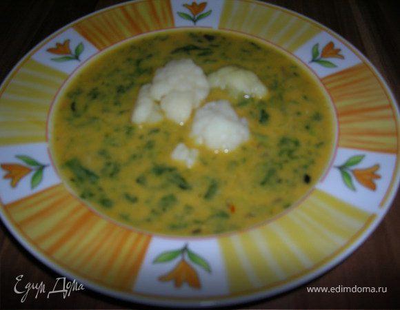 Кокосовый суп с шафраном и шпинатом