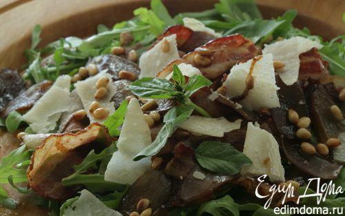 Рецепт Теплый салат с луком, беконом и руколой
