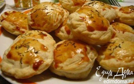Рецепт Пикантные слоеные пирожки с форелью и творогом