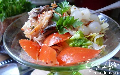 Рецепт Пикантный салат с рыбой