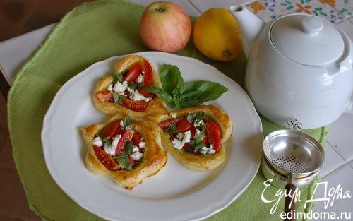 Рецепт Тарталетки с помидорами и соусом песто