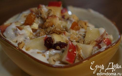 Рецепт Гранола с йогуртом, ягодами и кленовым сиропом