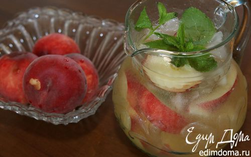 Рецепт Сангрия из белого вина с персиками