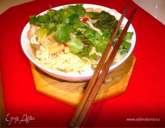 Китайский суп с курицей гриль