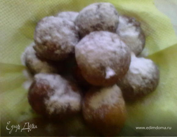 Пончики творожные с изюмом