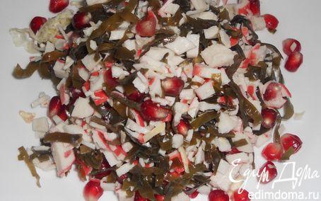 Рецепт Салат из морской капусты, крабовых палочек и граната