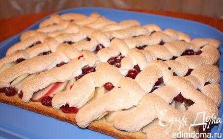 Рецепт Яблочный пирог с клюквой и безе