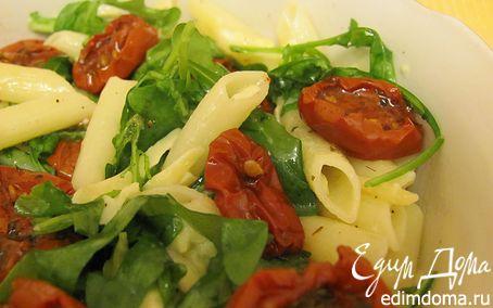 Рецепт Теплый салат с макаронами и руколой