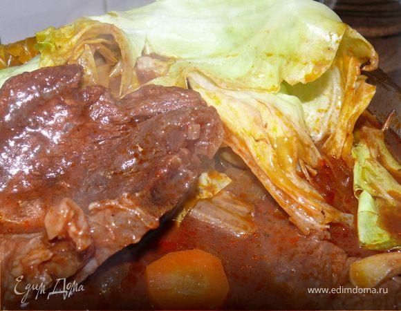 Мясо под капустным листом
