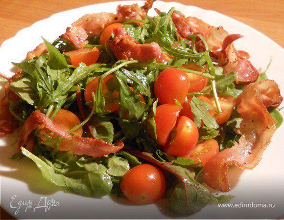 Теплый овощной салат с хрустящей грудинкой
