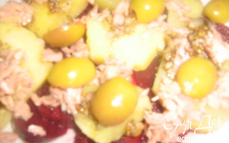 Рецепт Теплый салат с картофелем, свеклой и тунцом
