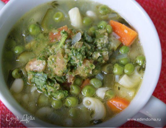 Овощной суп с фасолью и песто