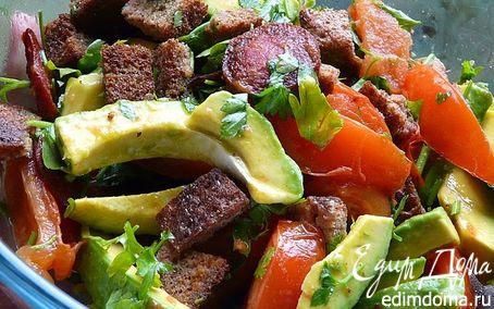 Рецепт Салат с авокадо и колбаской