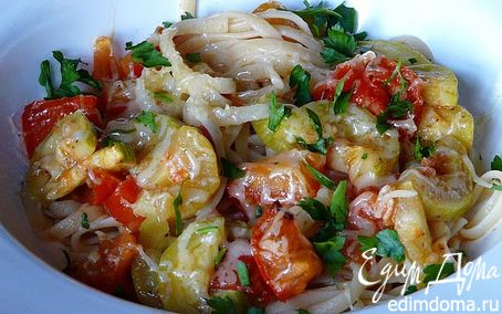 Рецепт Паста с цукини и помидором