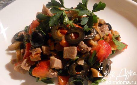 Рецепт Салат с языком, шампиньонами и печеным сладким перцем