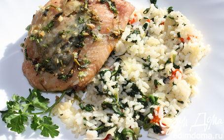 Рецепт Куриные бедрышки с пряными травами и рис со шпинатом и болгарским перцем
