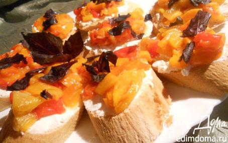 Рецепт Брускета с фетой и печеным перцем