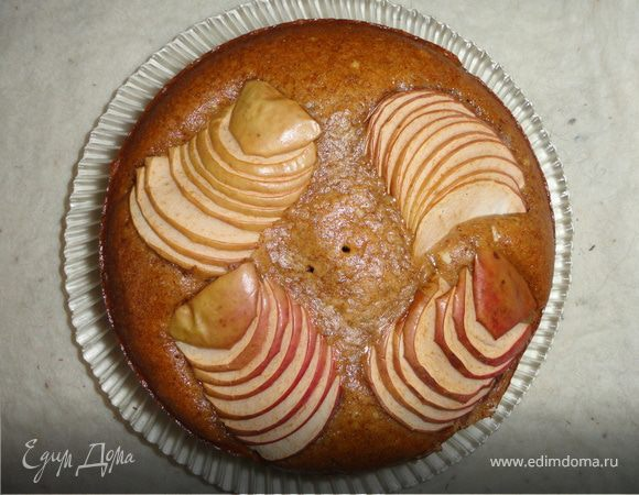 Постная коврижка с яблоками и корицей