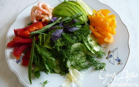 Рецепт Салатный микс с авокадо и креветками