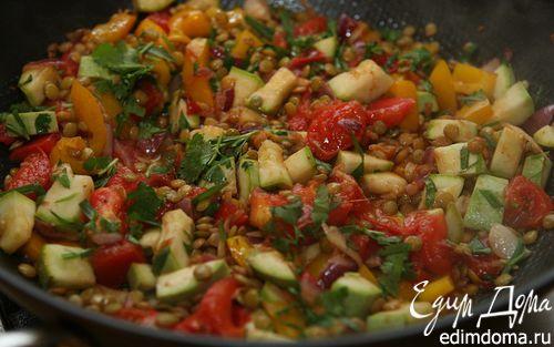 Рецепт Теплый салат из чечевицы, кабачка и сладкого перца
