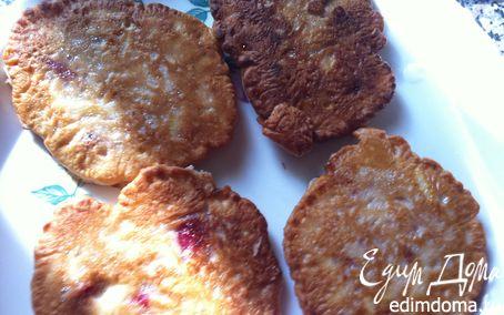 Рецепт Оладьи «яблоко+вишня» к завтраку.