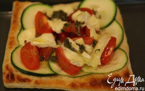 Рецепт Тарталетки с цукини, помидорами и сыром бри