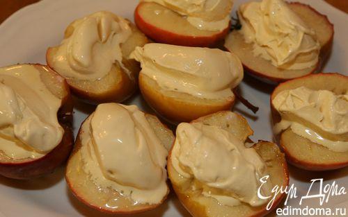 Рецепт Запеченные яблоки с ванильным мороженым