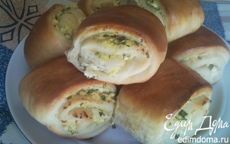 Рецепт Булочки-рулетики с творогом и зеленью.