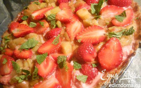 Рецепт Тарт с маскарпоне, ревенем и клубникой