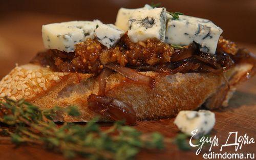 Рецепт Кростини с инжиром и голубым сыром