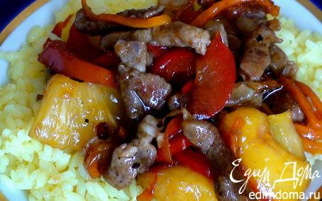 Рецепт Свинина с ананасами в устричном соусе.