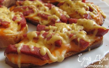 Рецепт Горячие бутерброды с колбасой и сыром