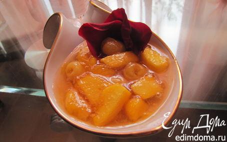 Рецепт Джем из черешни и персиков с лепестками роз
