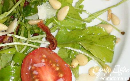 Рецепт Салат с руколой и кедровыми орешками