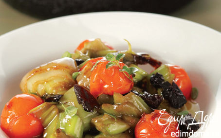 Рецепт Лук-порей, тушеный с черносливом и помидорами черри