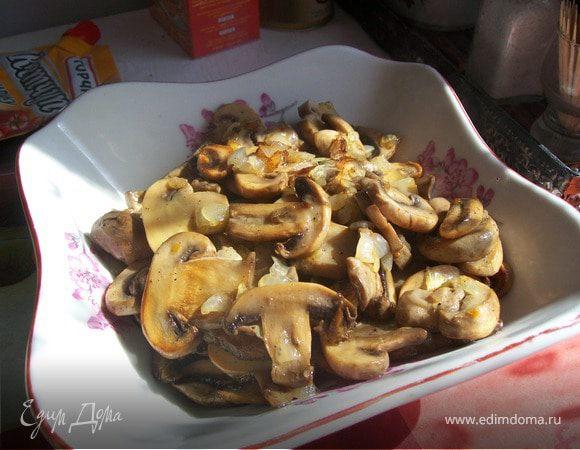 Жареные грибочки с луком.