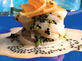 «Карбонара» из дайкона с ботаргой и лимонной цедрой